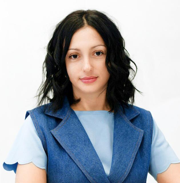 Искрова Наталья